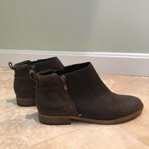 Franco Sarto Keegan Suede Low Ankle Boots - Sz 8